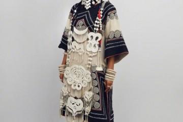 吉克隽逸好特性穿民族风服装上歌手舞台网友直呼太拉风